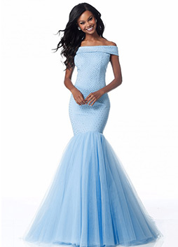 Dresses indispensable for the once a year military ball.